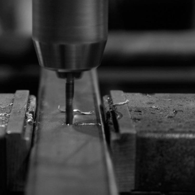 Artisan-metal-industriel