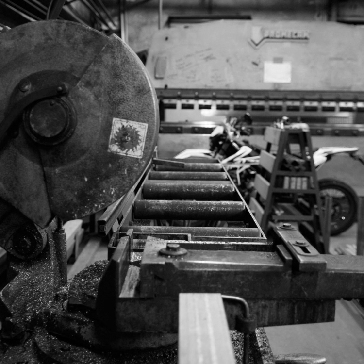 Metal-atelier-pied-industriel